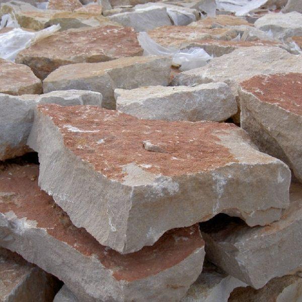 Natuurstenen-muren