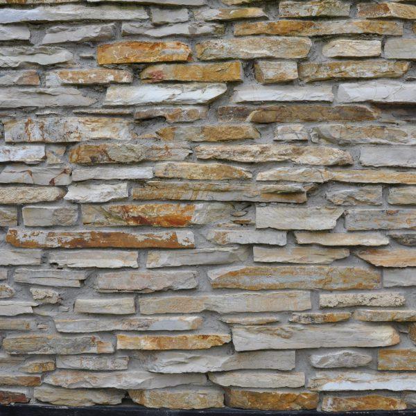Natuurstenen muren