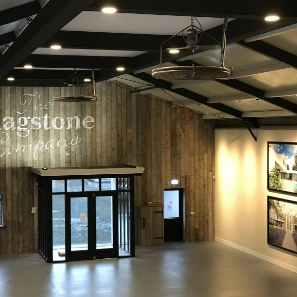 Deel van de nieuwe showroom - The Flagstone Company