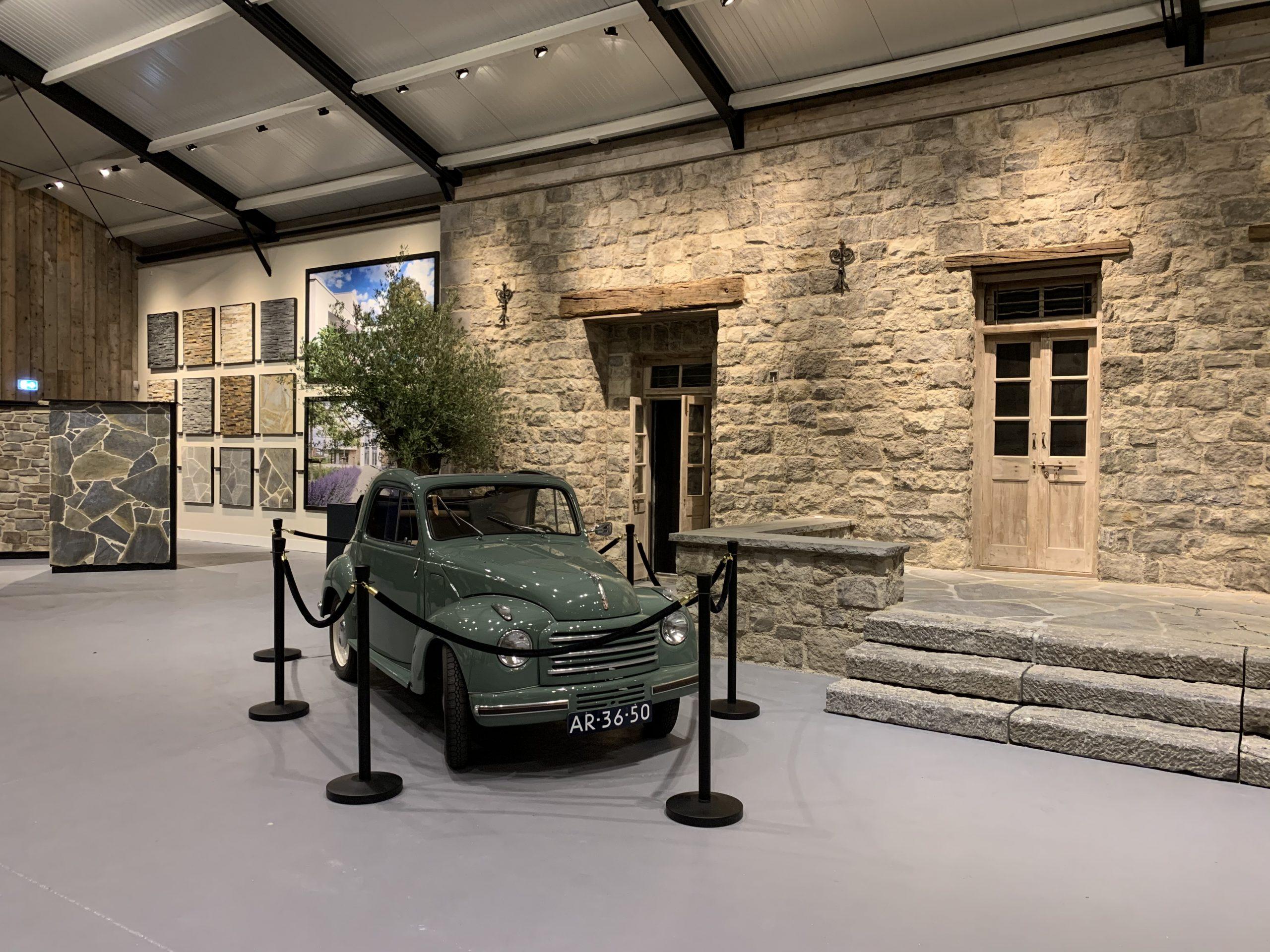 De Fiat Topilino in de vernieuwde showroom